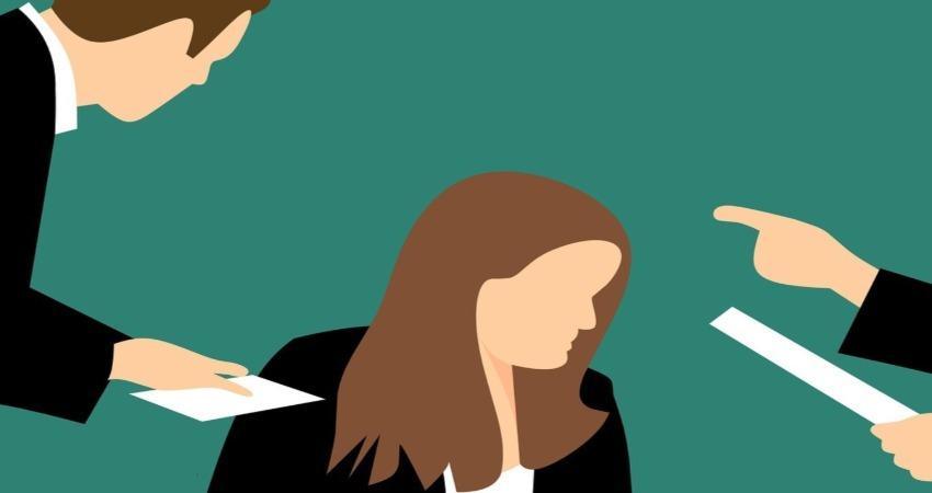 Molestie sessuali e trasferimento discriminatorio della lavoratrice